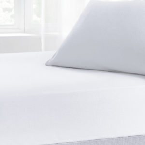Bedding BRUSHED COTTON FITTED SHEET WHITE