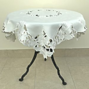 EMBROIDERY TABLECLOTH ROSIE