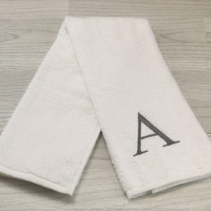 EMBROIDERED INITIAL HAND TOWEL WHITE